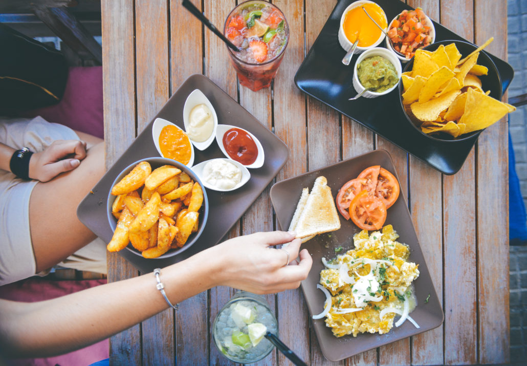 Creative Ways to Save Money on Eating Out and Entertainment